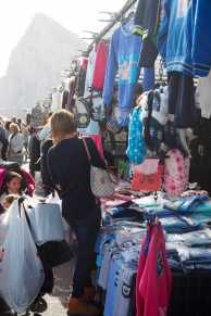 Markkinat vuorenjuurella