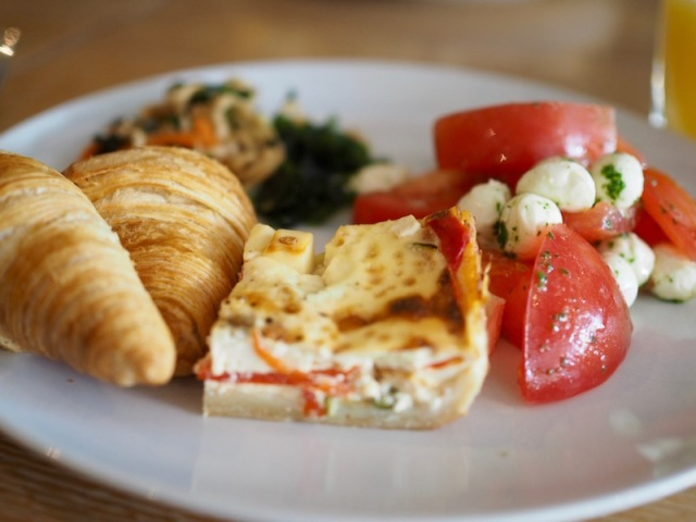 mozzarella-croissant-piirakka.jpg