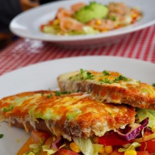 Avocado melt-leipä