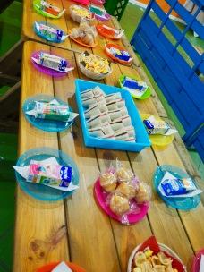 Lasten pöydän tarjontaa