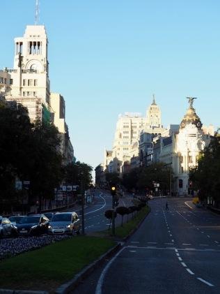 Madrid auringonnousun aikaan