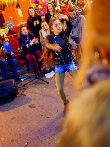 ... ja nuoret tanssijat.