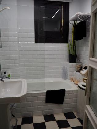 Toinen kylpyhuoneista
