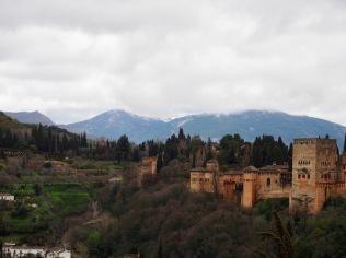 Alhambra etäisyydeltä