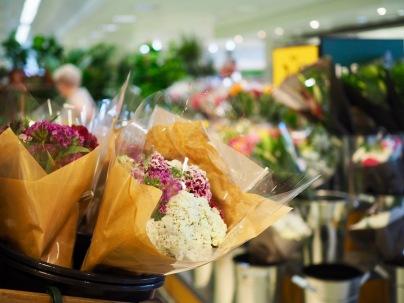 ...ja harvinaisia tuoreita kukkia!