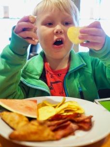 Nachoja, vesimelonia ja pekonia