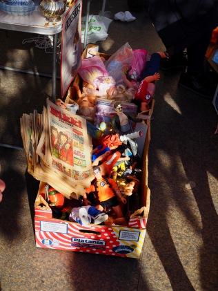 Rikkinäisiä, ja ehjiä, leluja