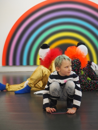 Taidehallissa
