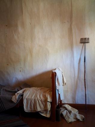 Askeettinen makuuhuone